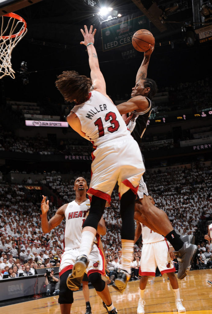 Kawhi Leonard Posterizes Mike Miller In Nike Air Force Max 2013 (3)