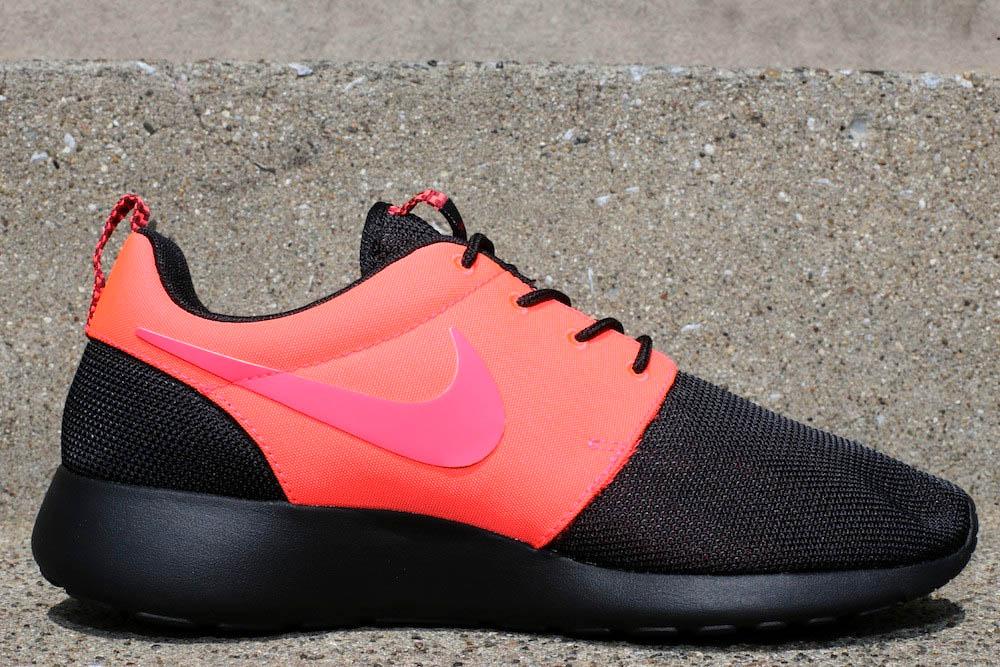 Nike Roshe Courir Maison Noir Achat Rouge Atomique