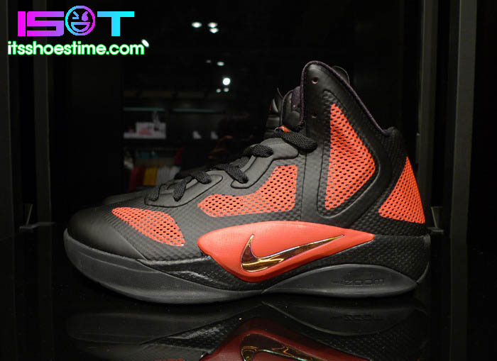 3eb77f328299 Nike Zoom Hyperfuse 2011 - Black Metallic Luster-Sport Red - New ...