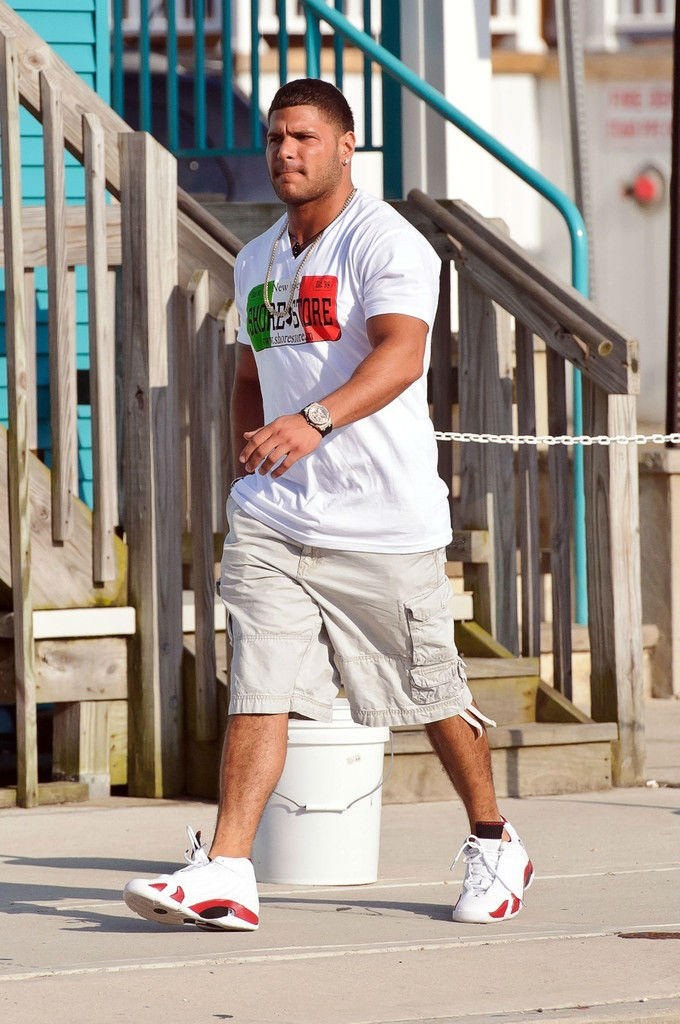 Ronnie Ortiz-Magro wearing Air Jordan XIV 14 White Red