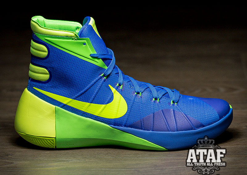 5875f28730e1 LeBron s Isn t the Only Line With  Sprite  Colored Nikes