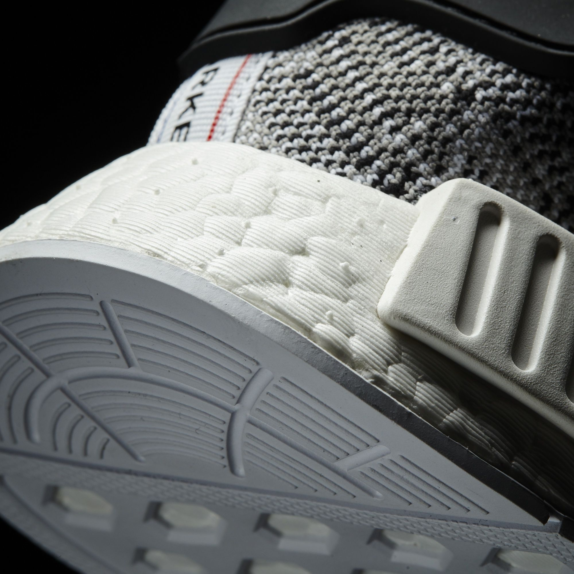 Adidas Nmd R1 Svart Rød Blå Hvit nCAeYIpi