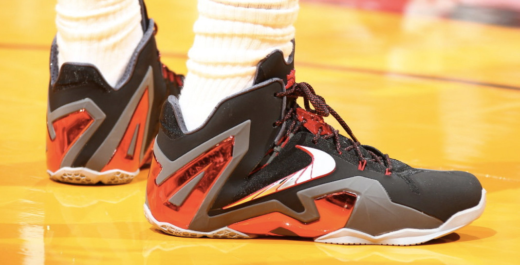 26b6a7105c0 The fact that neither LeBron nor KD wore their Elite shoes is a fitting end  to a season where Nike Basketball seemed to disappoint with their signature  ...