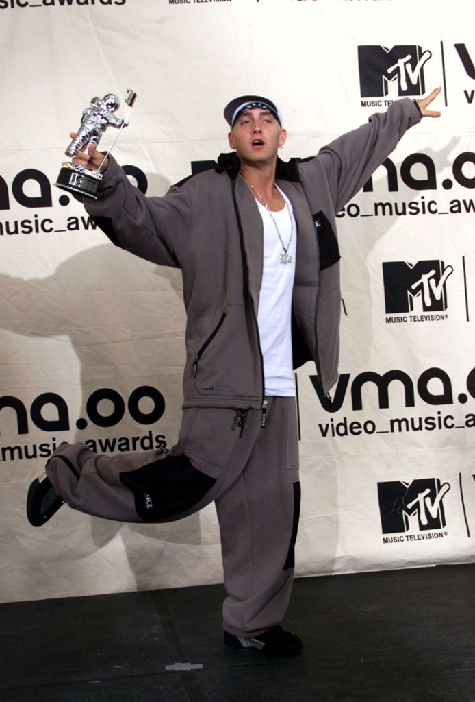 the 20 greatest sneaker moments in mtv vma history sole