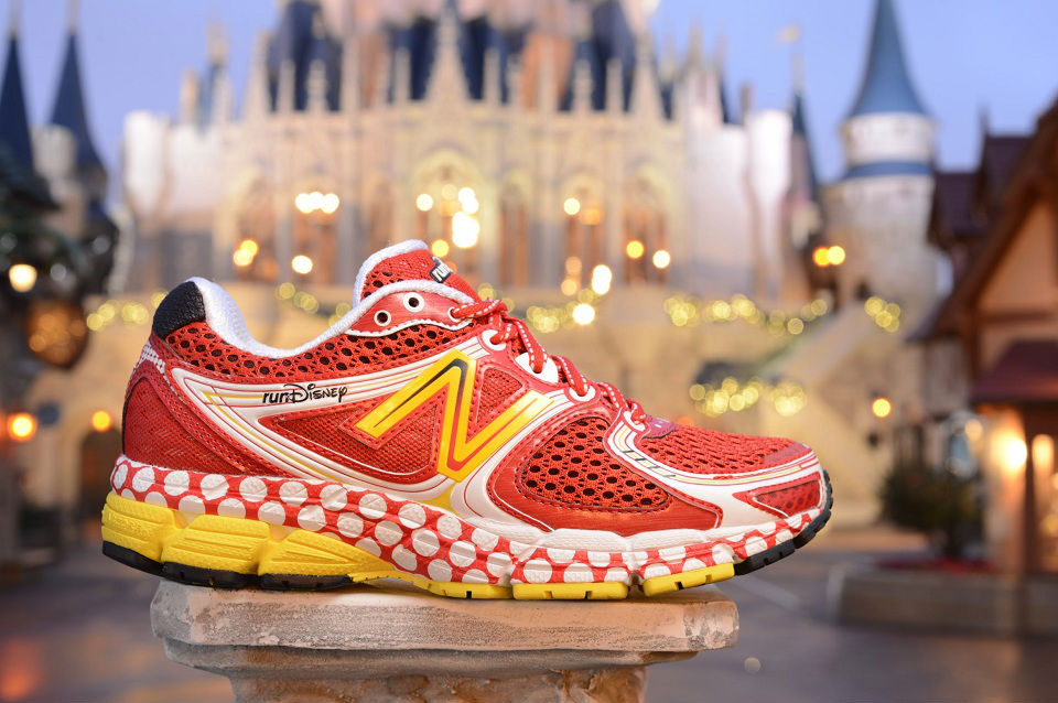 runDisney x New Balance 860v3 Minnie Mouse (1)