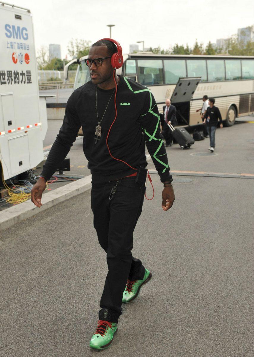 size 40 69212 408d9 LeBron James wearing Nike LeBron X Cutting Jade