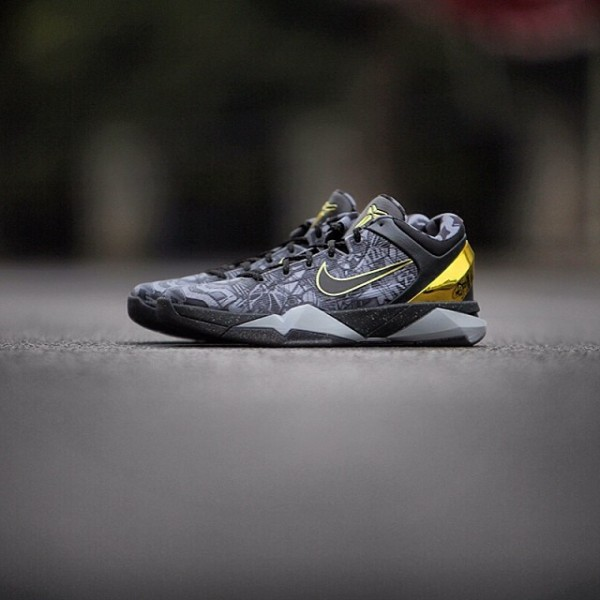 wholesale dealer b9ddc 34e01 nike kobe prelude pack