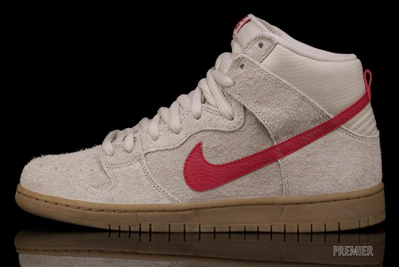 Look for this Dunk High Pro soon at your local Nike SB stocked skateshop 9ef6bb666f31