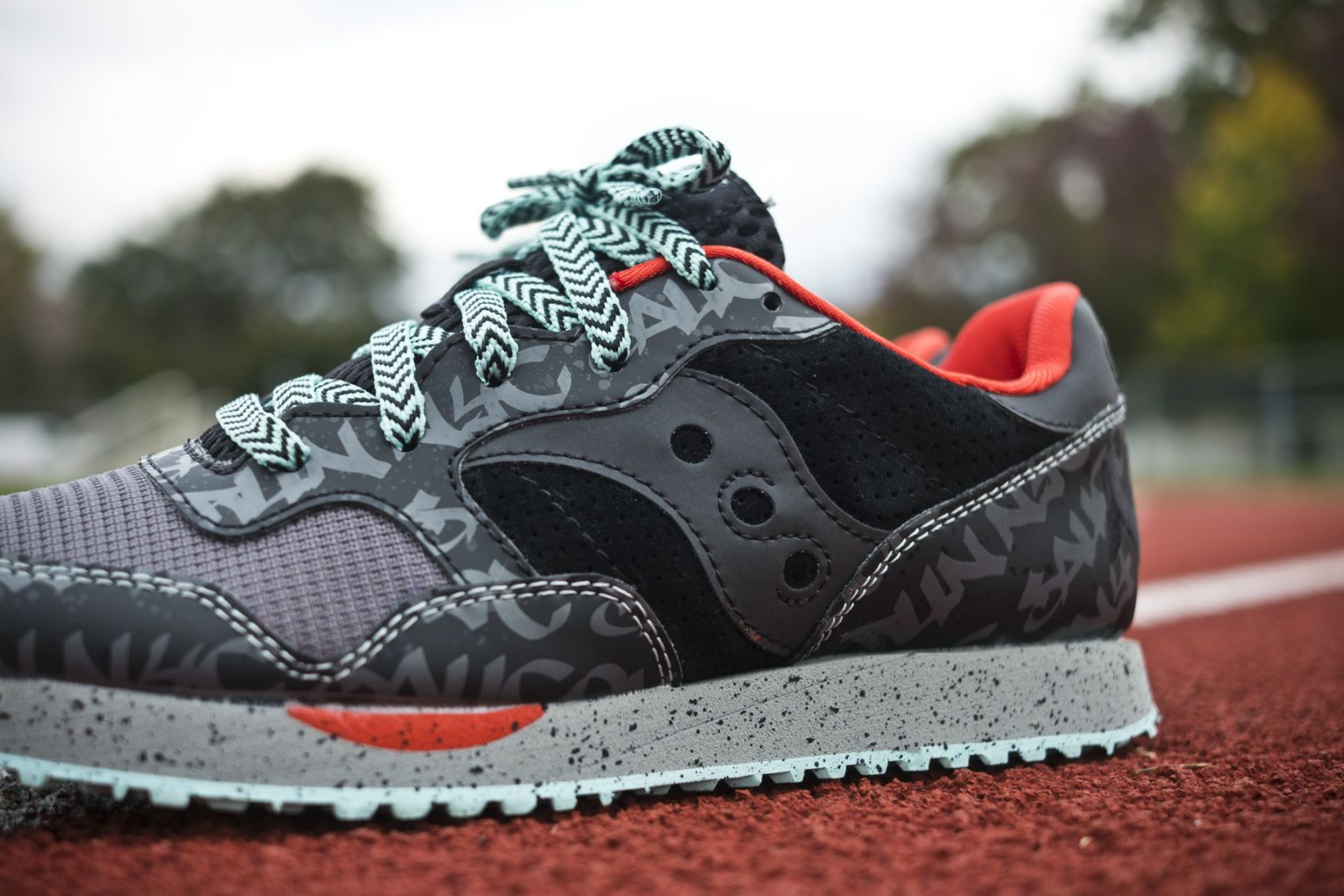 dxn trainer by saucony