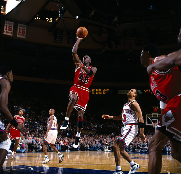 7f764b845fb4 A Look Back  Michael Jordan Drops 55 points on the NY Knicks in the Air  Jordan X
