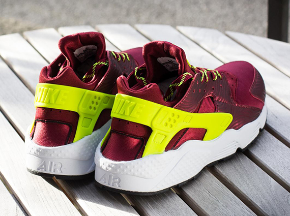 buy popular fc8a9 9e56b ... new zealand the team red volt nike air huarache is now available online  via titolo.