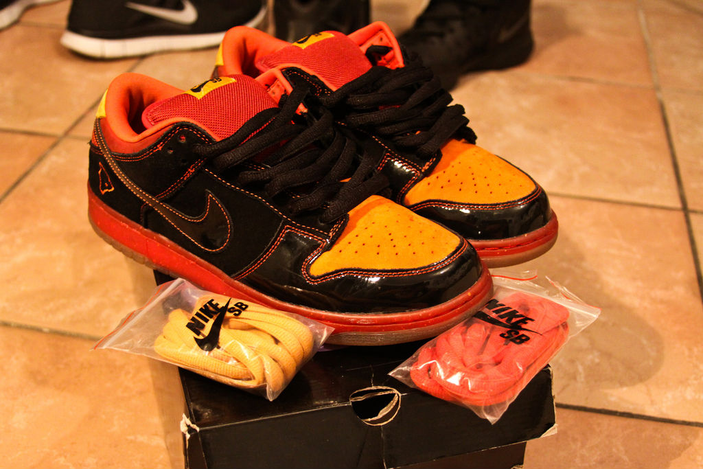 Spotlight // Pickups of the Week 12.1.12 - Nike SB Dunk Low Hawaii by scrillaelboss