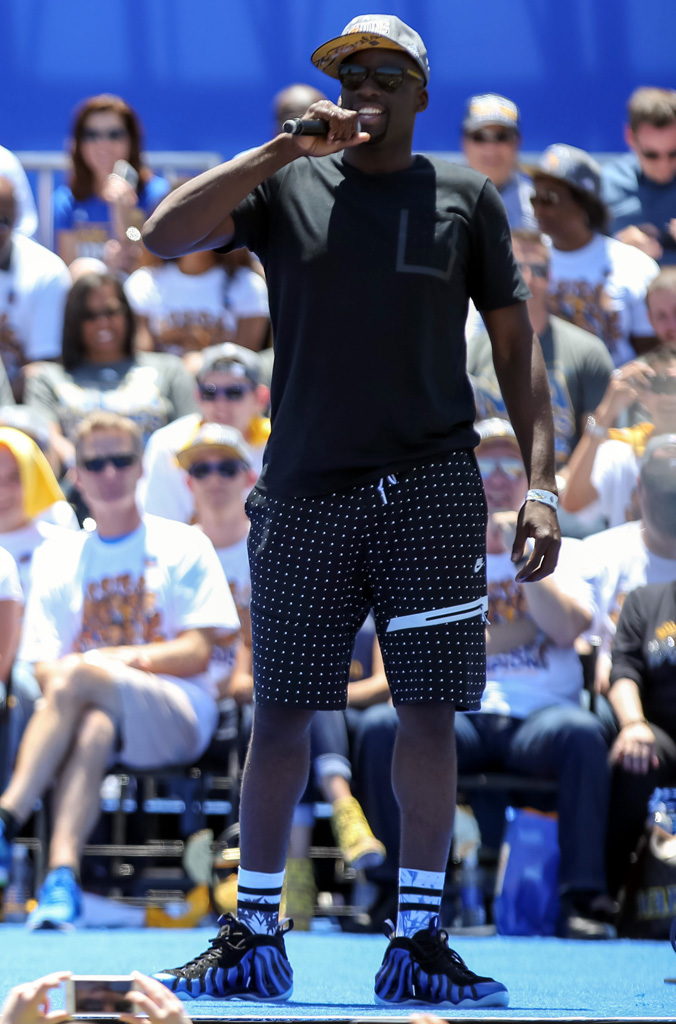 Draymond Green wearing 'Sharpie' Nike Foamposites at the Golden State Warriors Championship Parade (1)