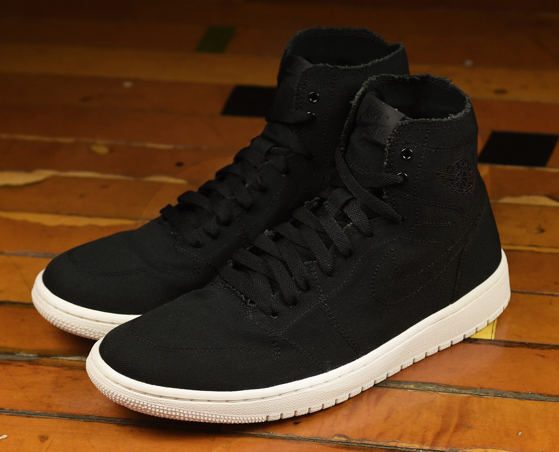 best sneakers 28e29 8dc9f Air Jordan 1 Deconstructed