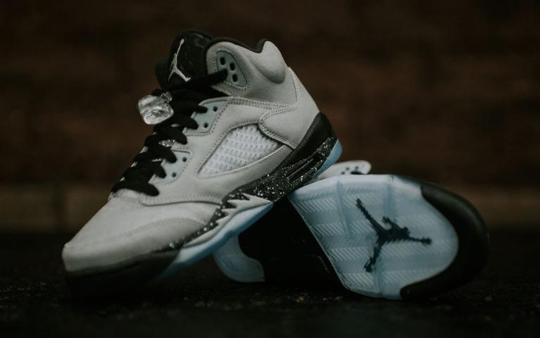 Air Jordan 5 Wolf Grey GG Pair