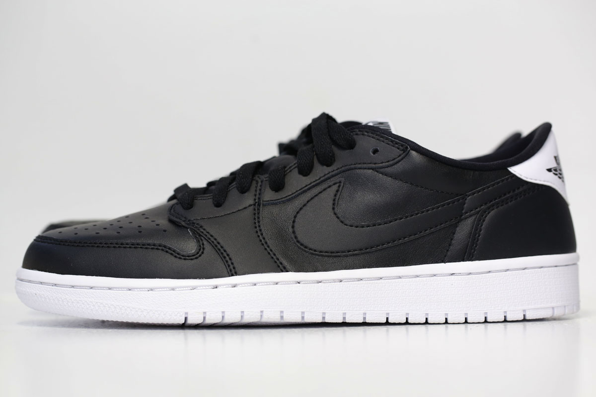 Air Jordan 1 Retro Low OG Black/White 705329-010 (1)