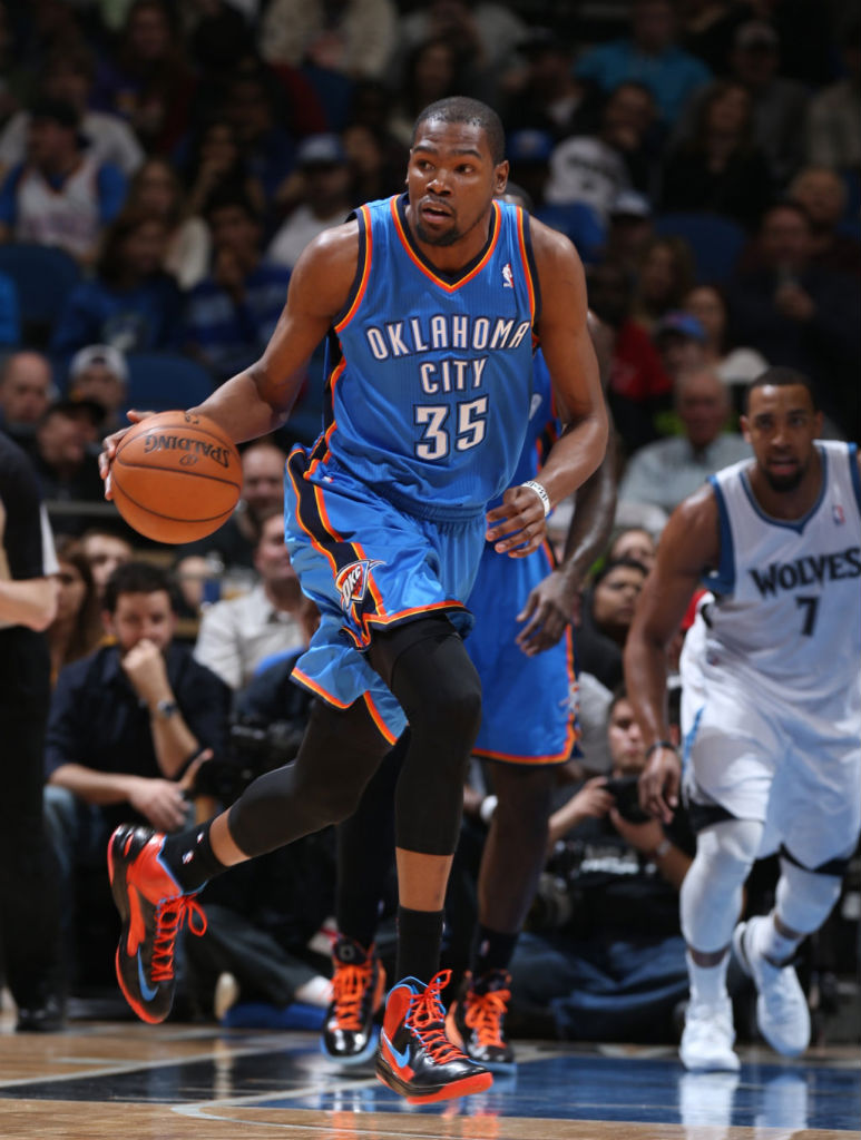 Kevin Durant wearing Nike KD V OKC Away Alternate (2)