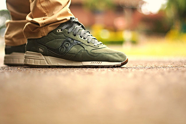 Philthy808 wearing the 'Luxury Pack' Saucony Shadow 5000