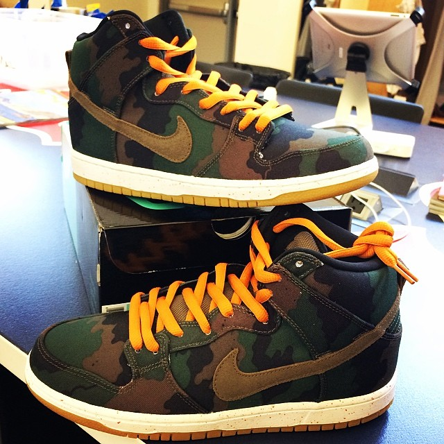 Shane Victorino Picks Up 510 x Nike Dunk High SB