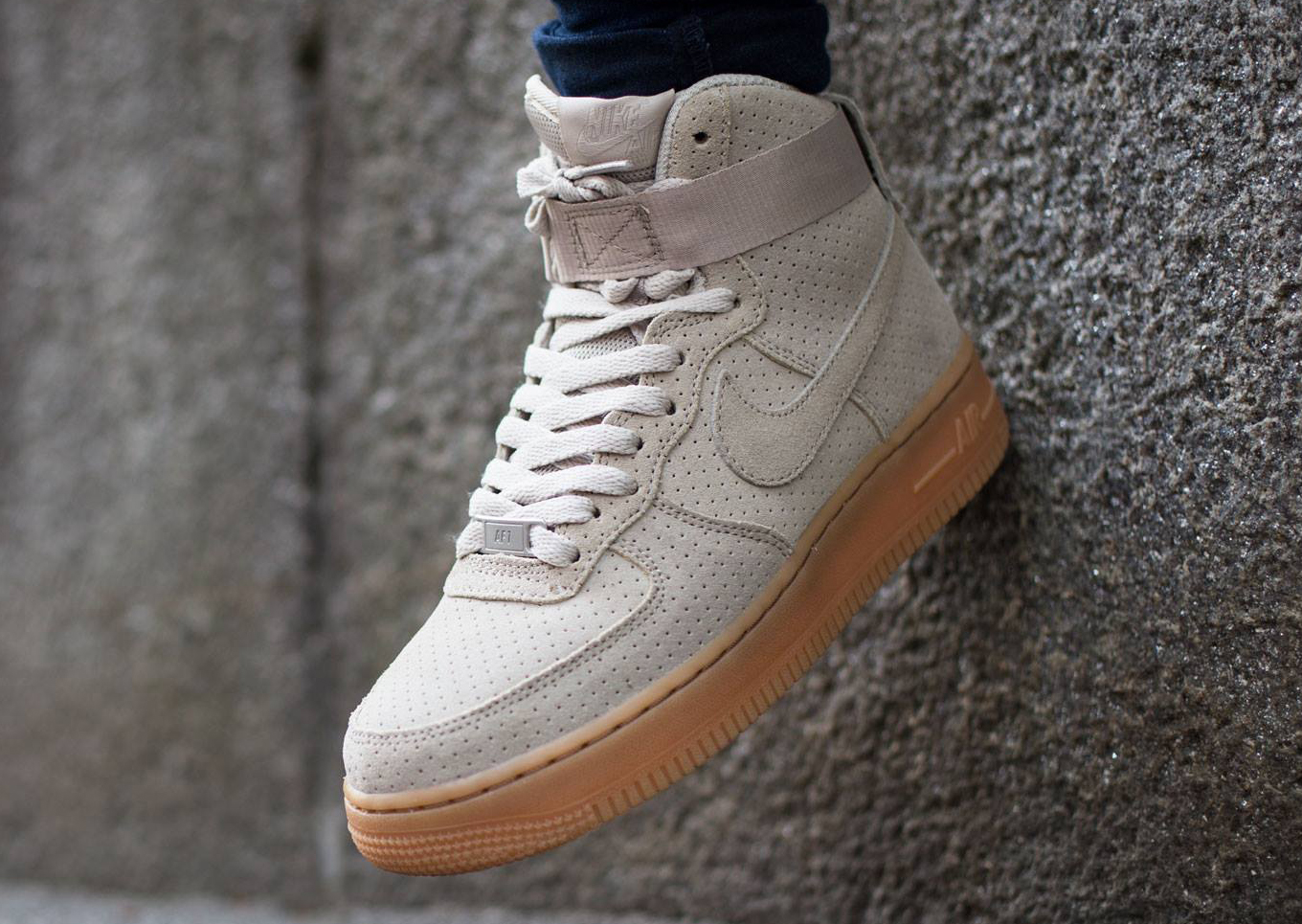 Nike Air Force 1 High Suede