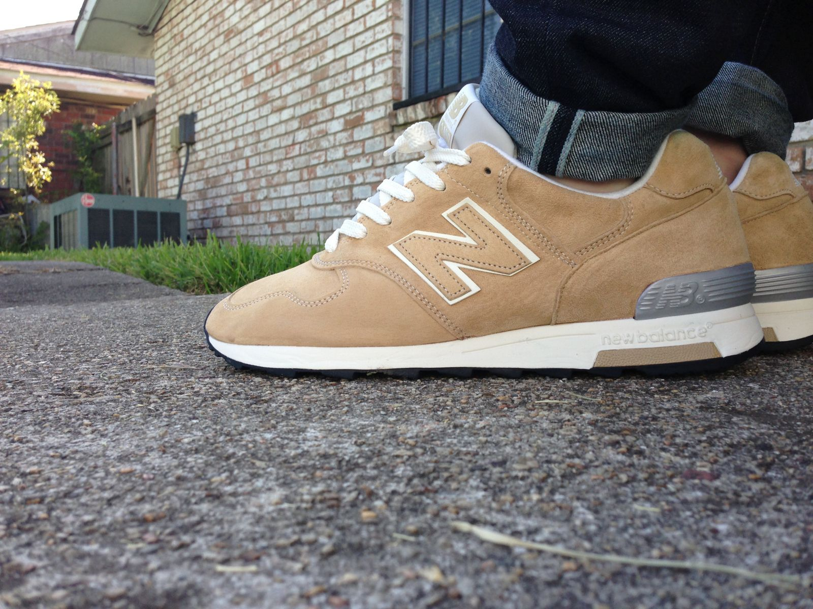 1400 new balance on feet