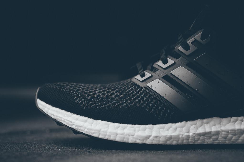 adidas ultra boost all black