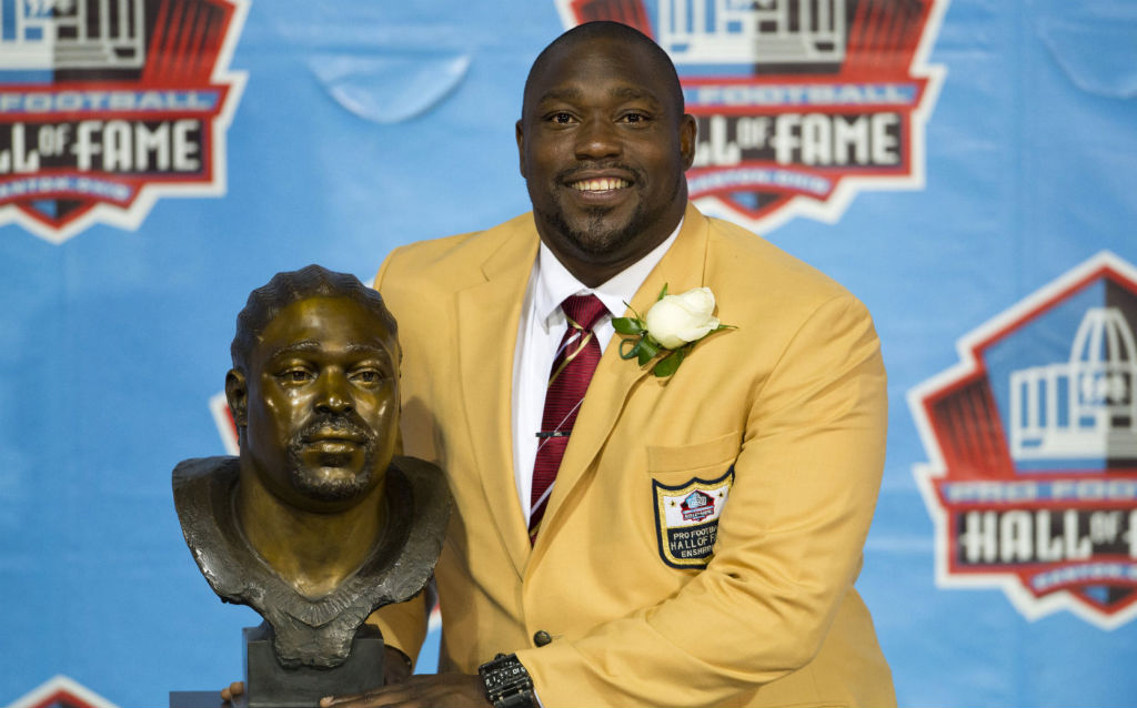 Warren Sapp Inducted Into Hall Of Fame Wearing GMP Air Jordan VI 6