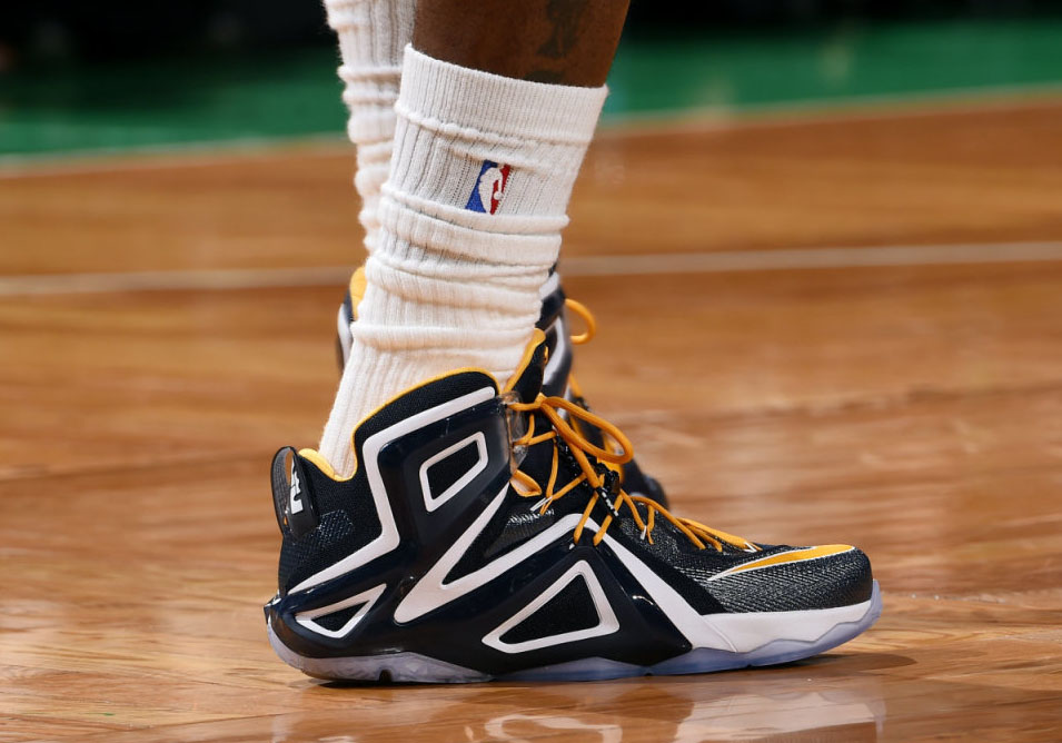 ede0cca1ccd SoleWatch  LeBron James Debuts a New Nike LeBron 12 Elite PE in Game ...