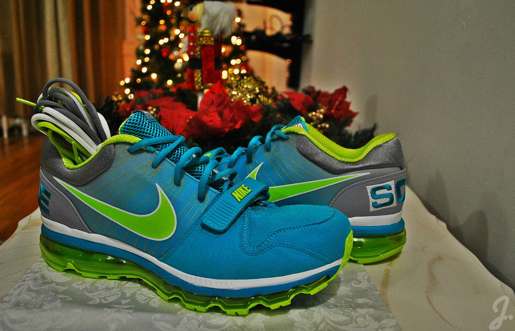 Spotlight // Pickups of the Week 1.5.13 - Sole Collector x Nike Air Max Trainer 1 Sole Knows by Drastic