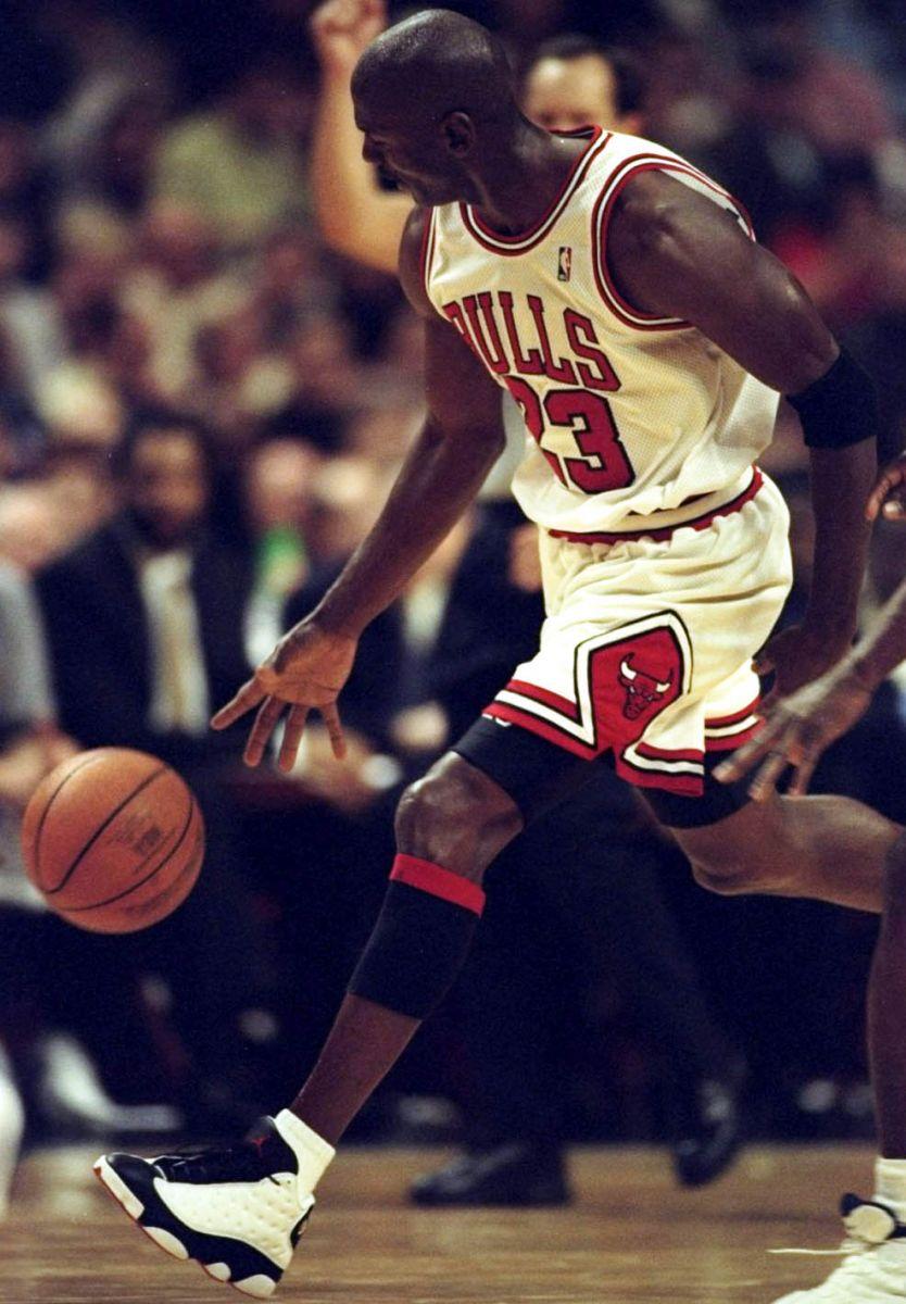 new style d34b3 8ff4e Flashback // Michael Jordan in the Air Jordan XIII 'White ...