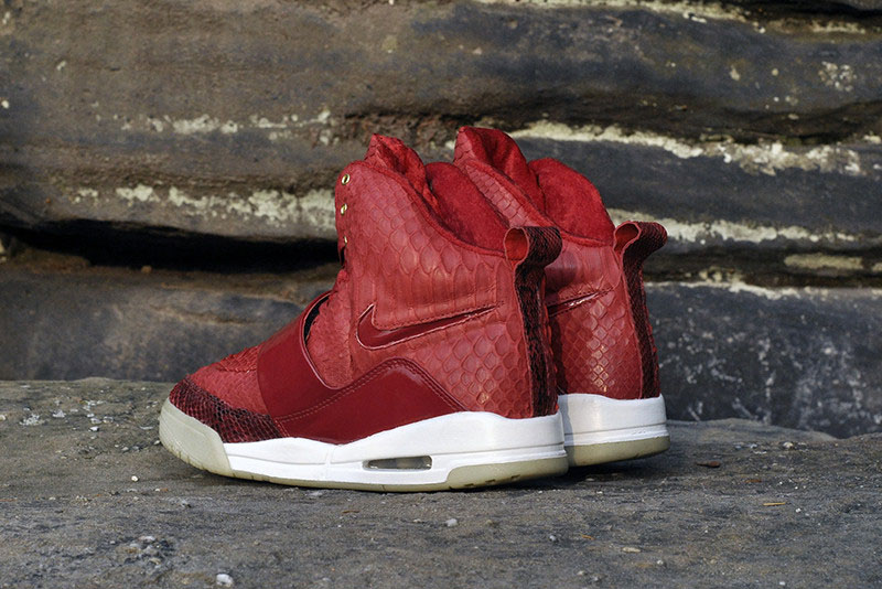 Nike Air Yeezy 'Red October' by JBF Customs (4)