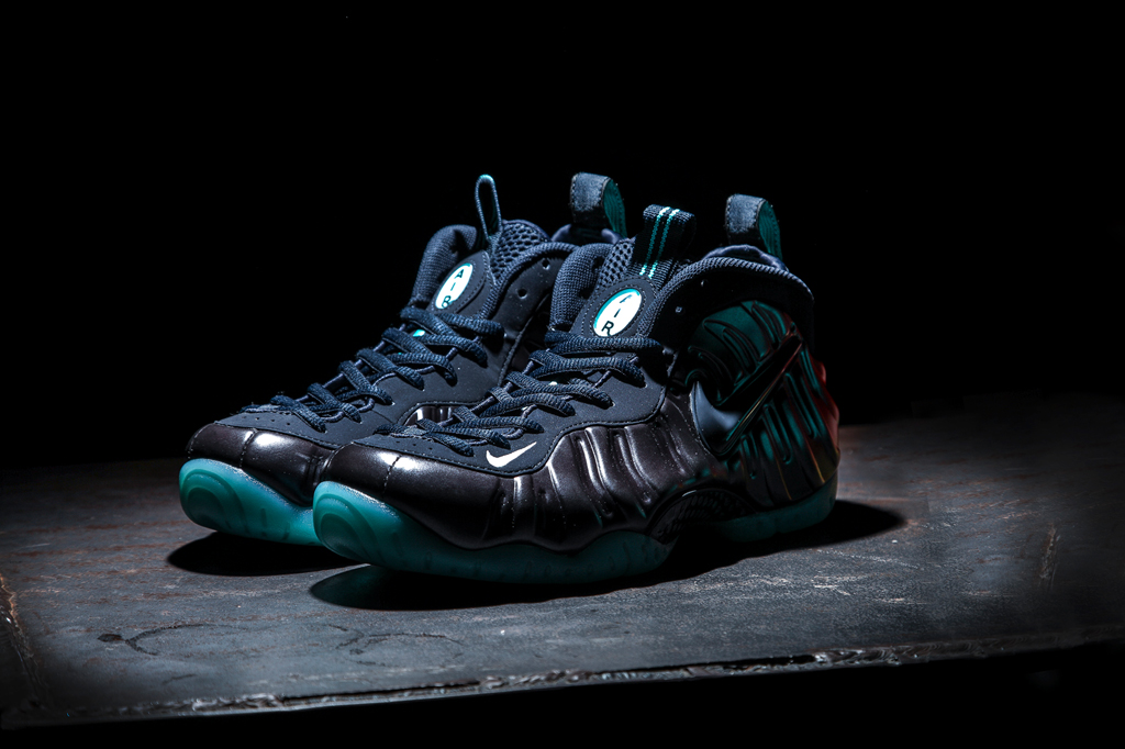 Navy and Aqua Cover This 2015 Foamposite Pro | Sole Collector