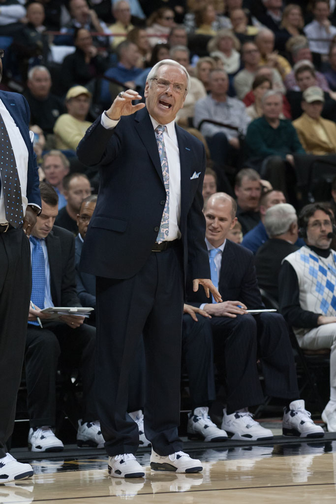 Roy Williams wearing Air Jordan IV 4 Legend Blue (3)