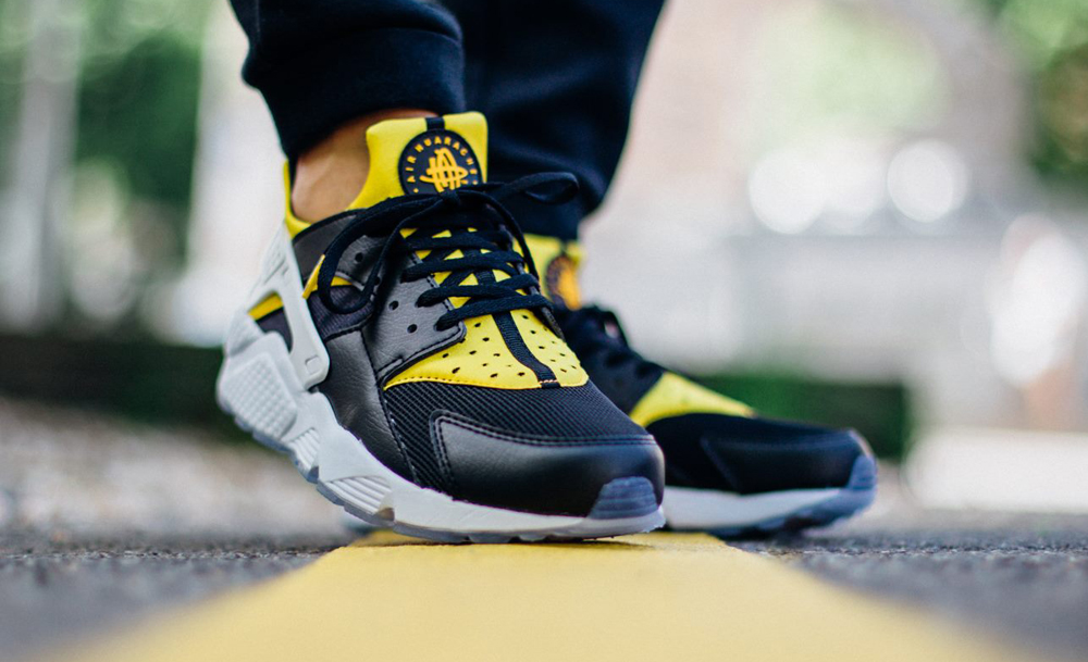 premium selection 169c7 b53fa An On-Feet Look at the Nike Huarache 'City Pack' | Sole Collector