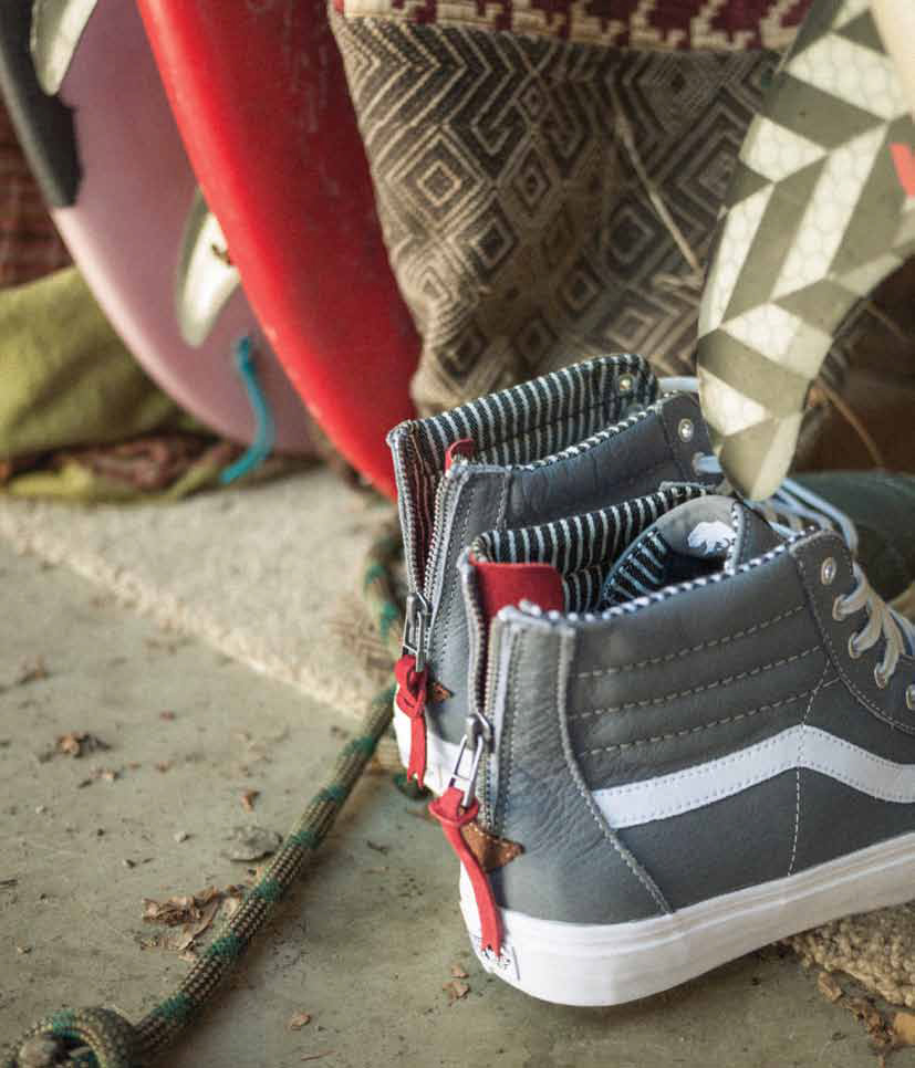 vans sk8 hi navy red stripes
