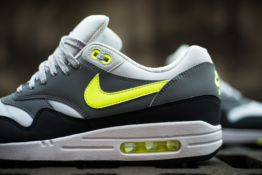 Nike Air Max 1 Essential - Dust Grey/Volt-Cool Grey