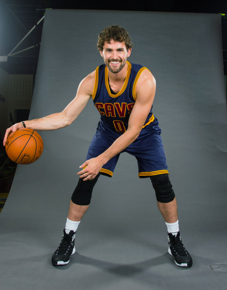 Kevin Love wearing the Nike Hyperdunk 2015