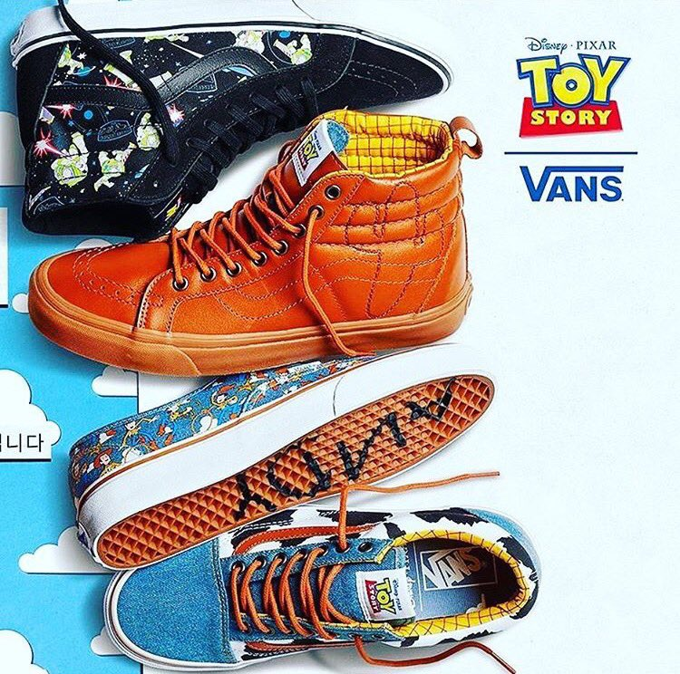 Vans x Toy Story Pack Close