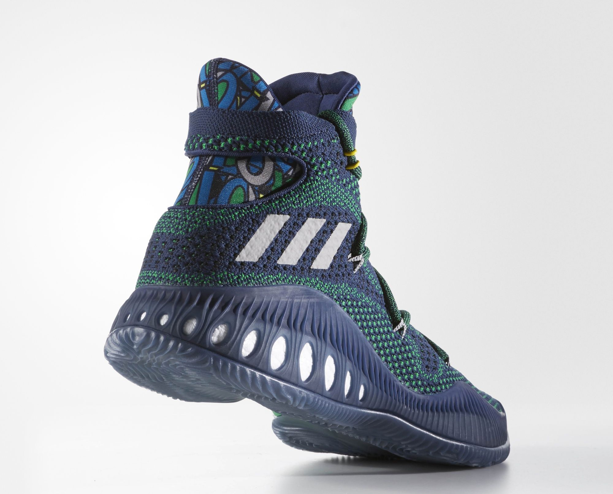 uk availability 42761 66c9d adidas Crazy Explosive Andrew Wiggins Away PE Lateral Angle