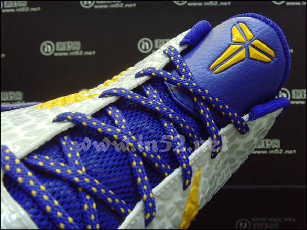 sports shoes bd03c 6fd77 Nike Zoom Kobe VI - Lakers Home CW