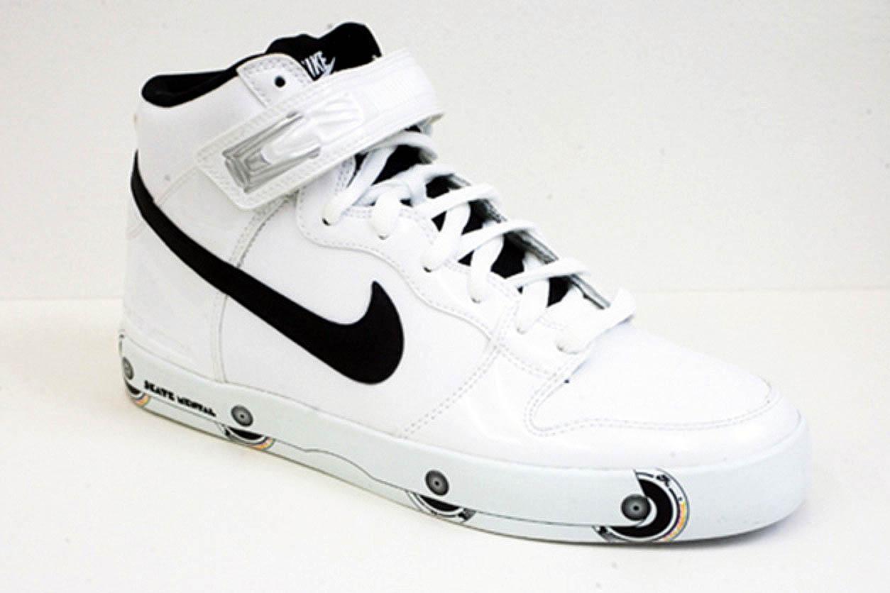 nike shox avec des paillettes swoosh - Nike SB x Skate Mental Dunk Hi LR \u0026quot;Rollerblades\u0026quot; | Sole Collector