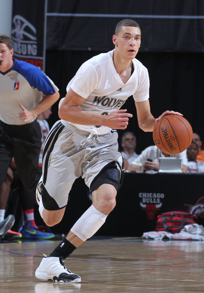 Zach LaVine wearing Nike Air Zoom Flight The Glove