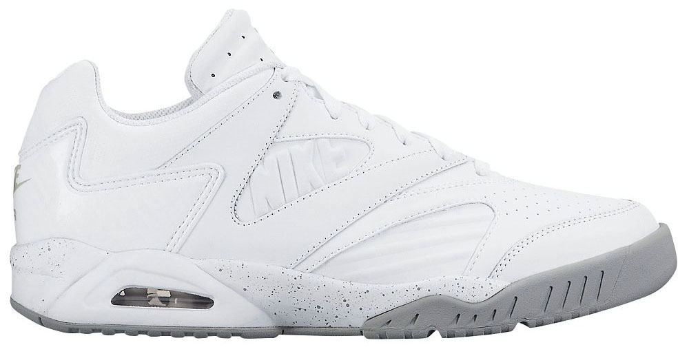 bbff0ff61d66 The 40 Best All-White Sneakers Still Available