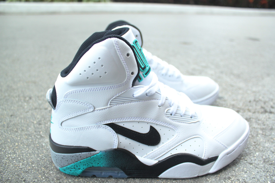 Nike Air Command Force 180 OG Emerald Available