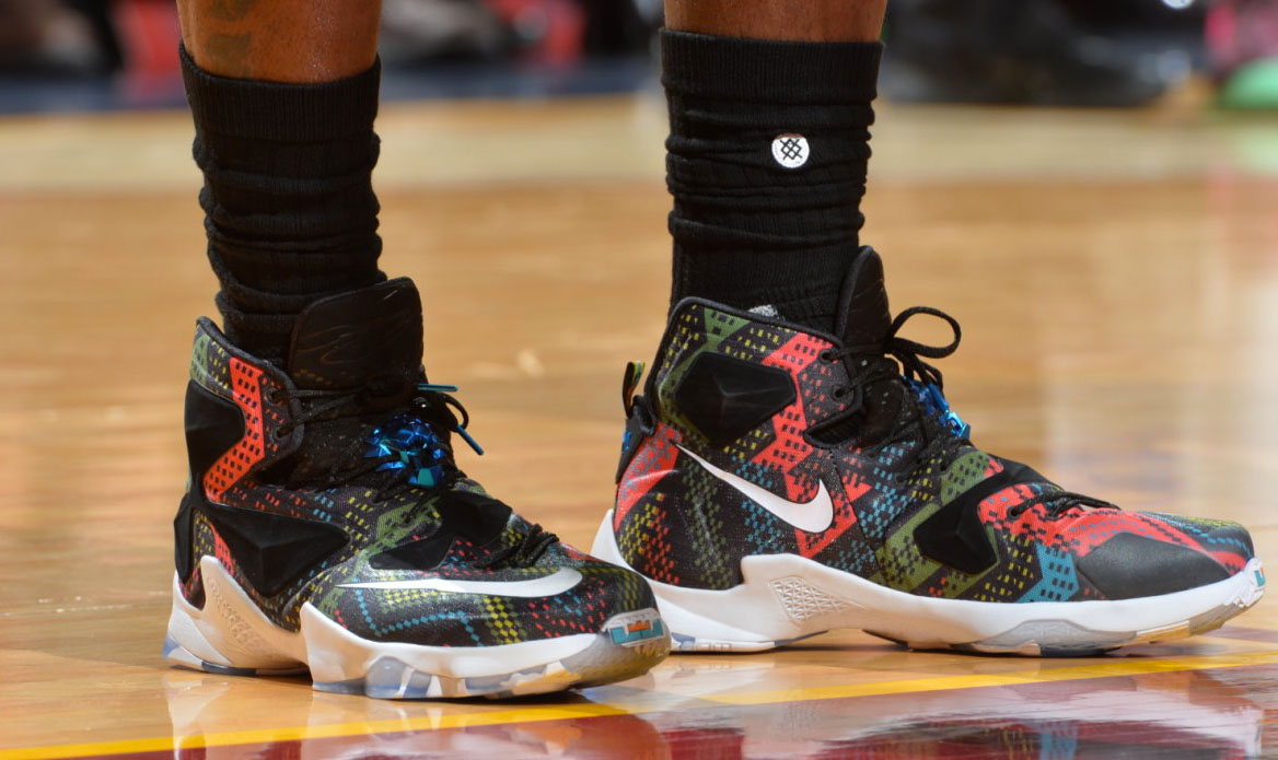 Solewatch Lebron James Has Rough Outing In Bhm Nike
