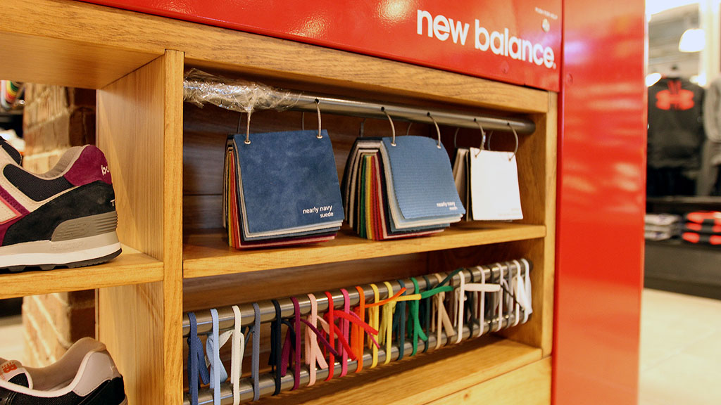 New Balance Kiosk for 574 Customization at Foot Locker in Times Square (10)
