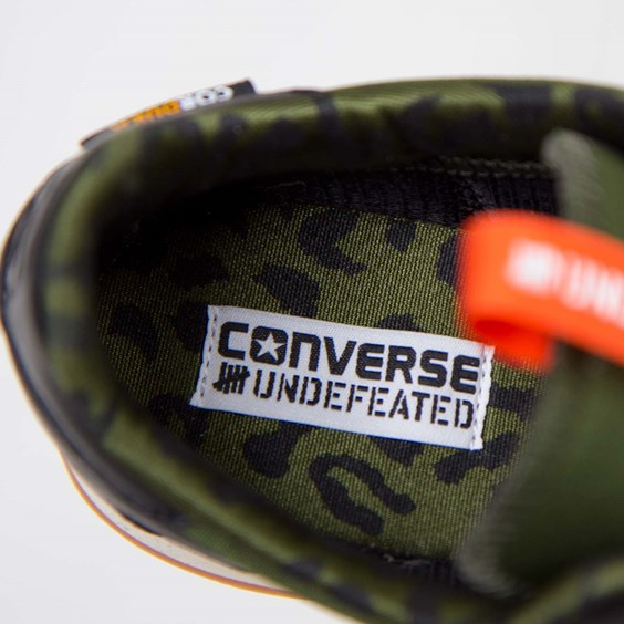 Undefeated x Converse Auckland Racer sockliner