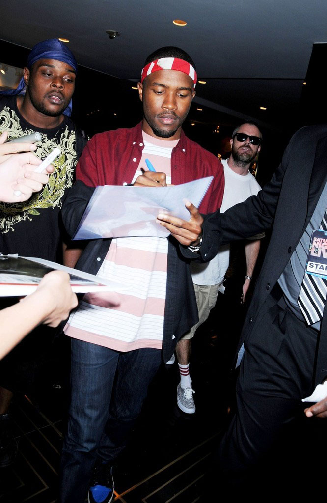 Frank Ocean wearing Air Jordan I 1 Black Royal (2)
