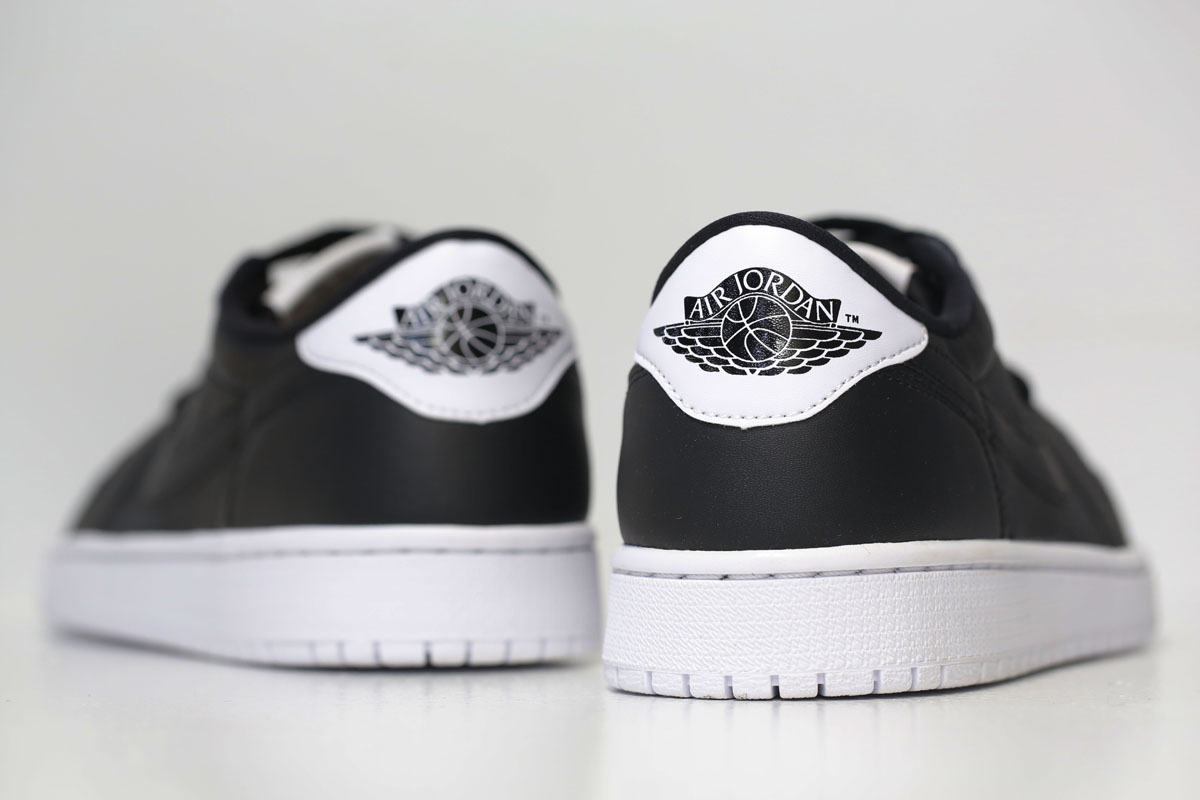 Air Jordan 1 Retro Low OG Black/White 705329-010 (2)