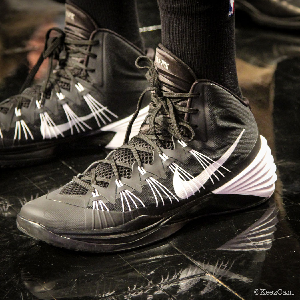 Sole Watch // Up Close At Barclays for Nets vs Heat - Shaun Livingston wearing Nike Hyperdunk 2013